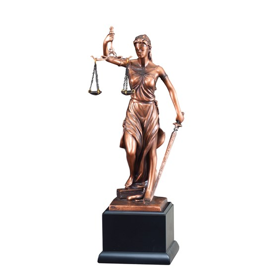 victory-resin-series-lady-justice
